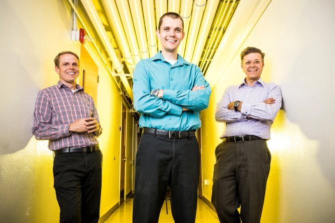 금속의 특성을 예측하는 AI를 개발한 연구팀. 가장 왼쪽부터 에릭 호머 교수, 콘래드 로젠브르크 박사, 거스 하르트 교수. - 브리검영대 제공